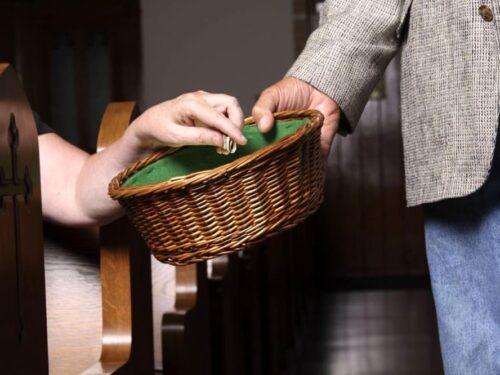 COVID, la fatica della parrocchia